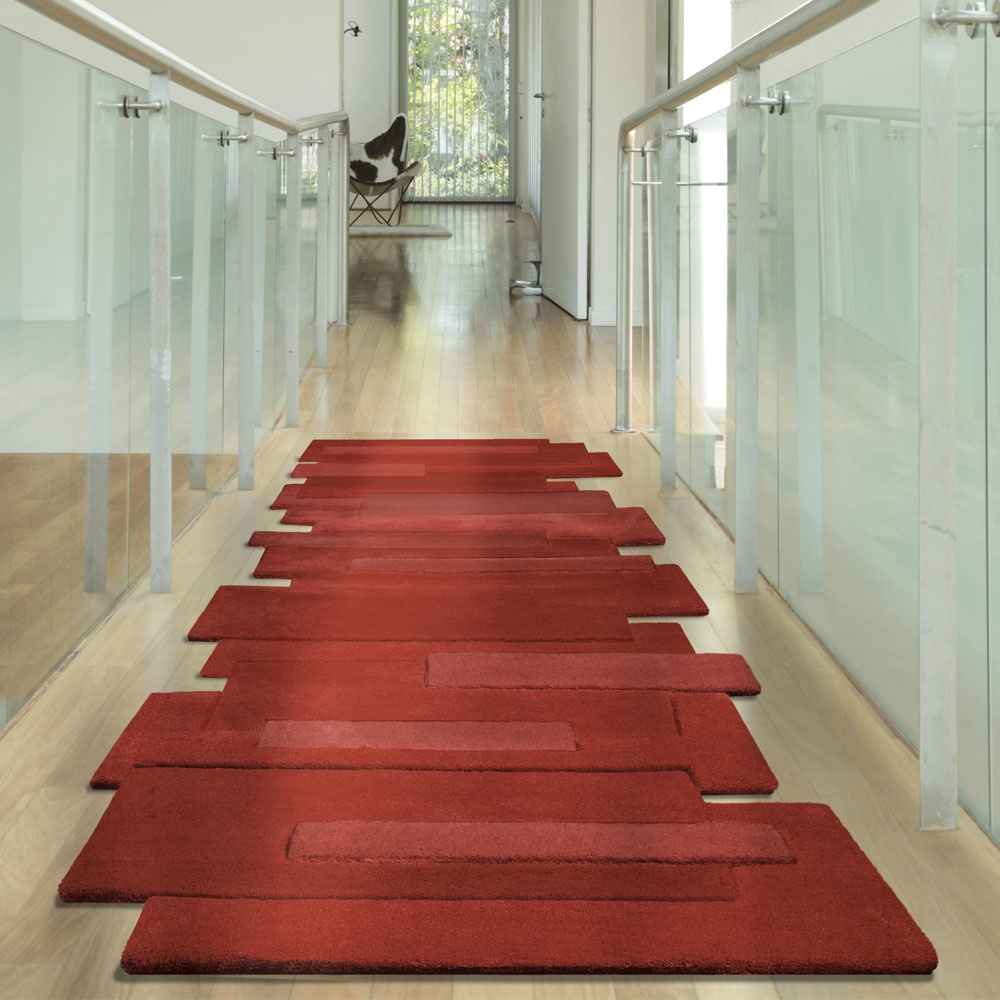 tapis de couloir rouge pebbles par angelo