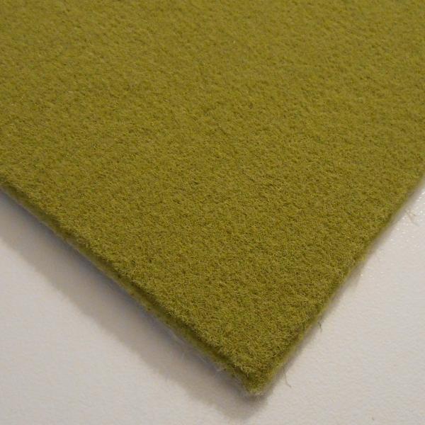 tapis sur mesure vert vorwerk forma avec surjet