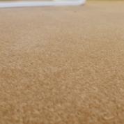 Tapis sur mesure en laine couleur camel