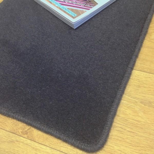 Tapis sur mesure en laine couleur gris charbon - Tapis d accueil sur mesure ...